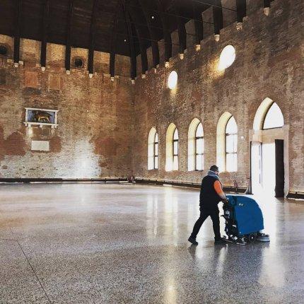 Lavapavimenti Eureka E61 per la pulizia dei pavimenti della Basilica Palladiana a Vicenza